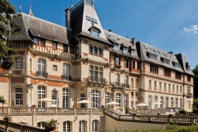chateau-de-montvillargenne-facade-1